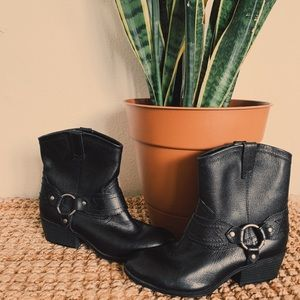Black Leather Ankle Boots Size 8.5